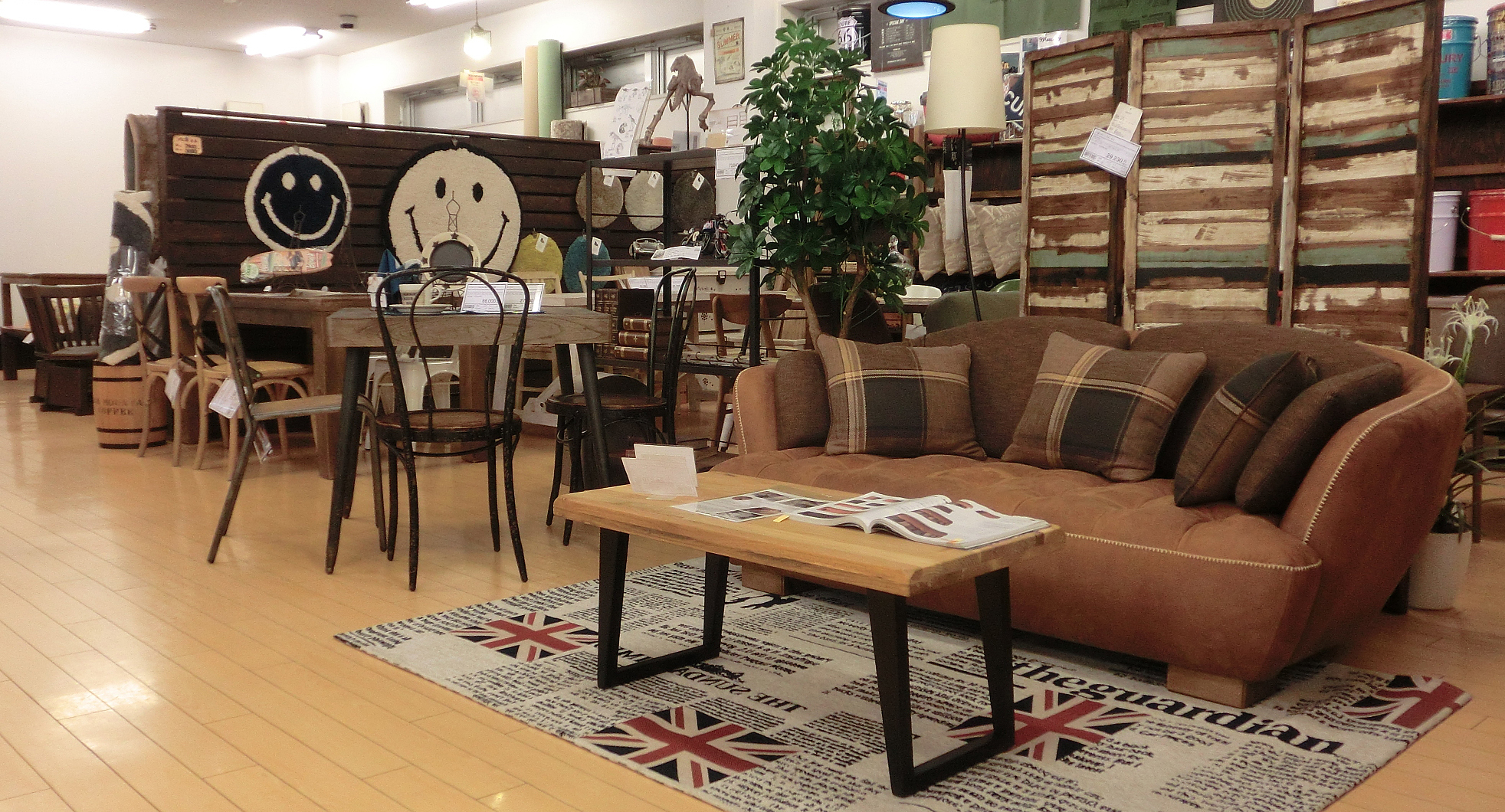 浜松市西区|家具屋|KOMATSUYA|カリモク家具取扱店|飛騨産業取扱店|シーリー|サータ|ソファー|ベッド|ダイニング|